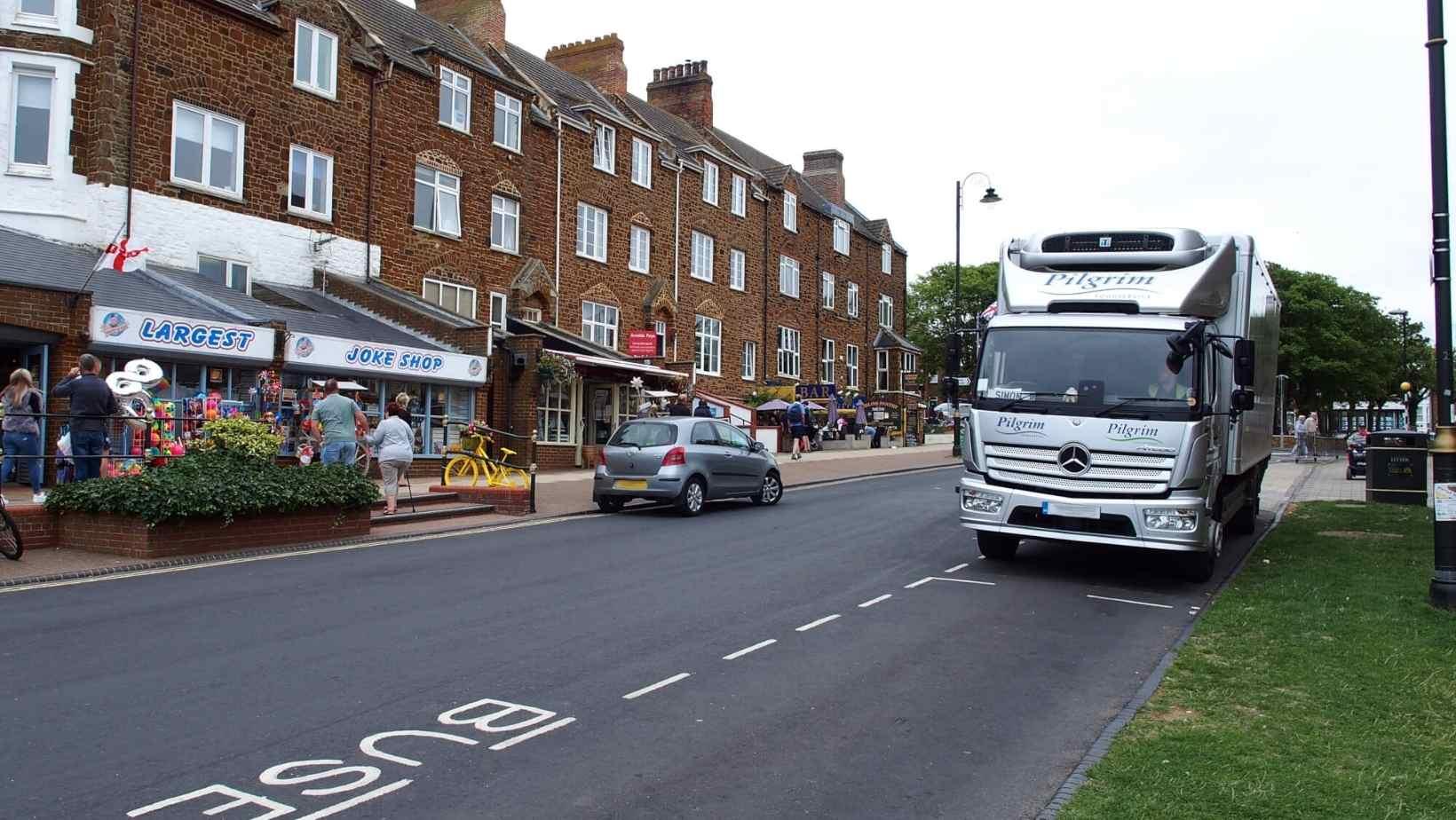 Șoferii de camion din UE nu vor să conducă pentru britanici. Relaxarea normelor de cabotaj ar putea fi singura soluție pentru acoperirea deficitului de șoferi în Marea Britanie