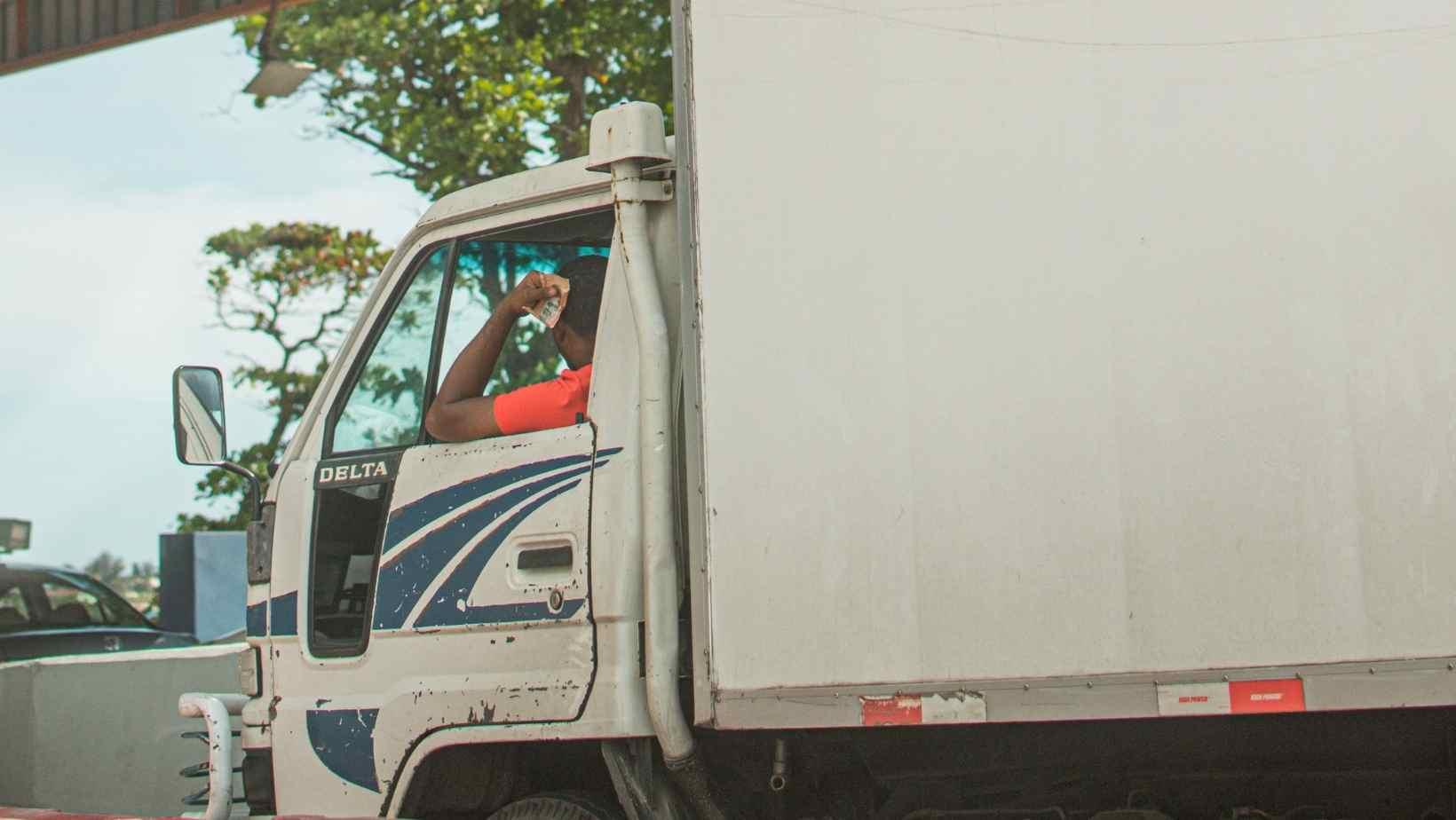 Transportatorii italieni trag un semnal de alarmă: în Italia șoferii de camion sunt plătiți mai prost decât în România