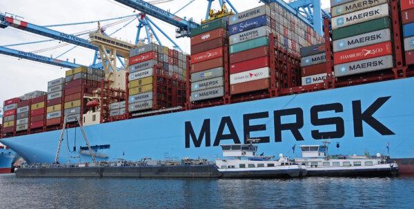 A hamburgi kikötő bővíti helyfoglalási rendszerét konténerszállító teherautók számára