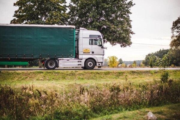 A fost inițiată procedura de estimare a prejudiciilor aduse de cartelul producătorilor de camioane