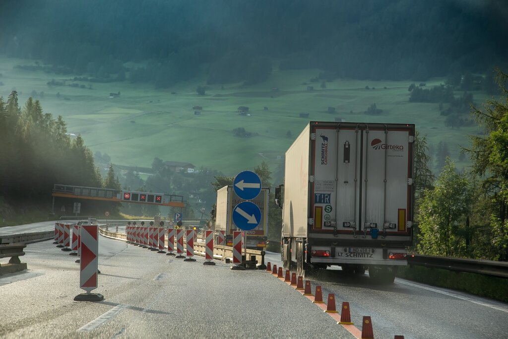 Trans.INFO Metrix data shows  EU-UK freight supply down, rates up