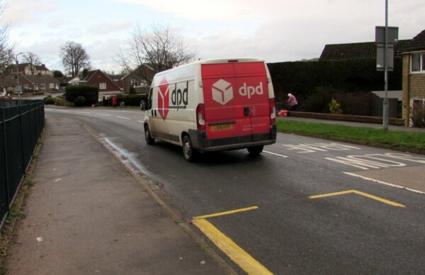More UK firms struggling to find warehouse staff and van drivers compared to 2020