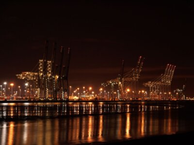 Shipping lines raise fees as driver shortage clogs up British ports