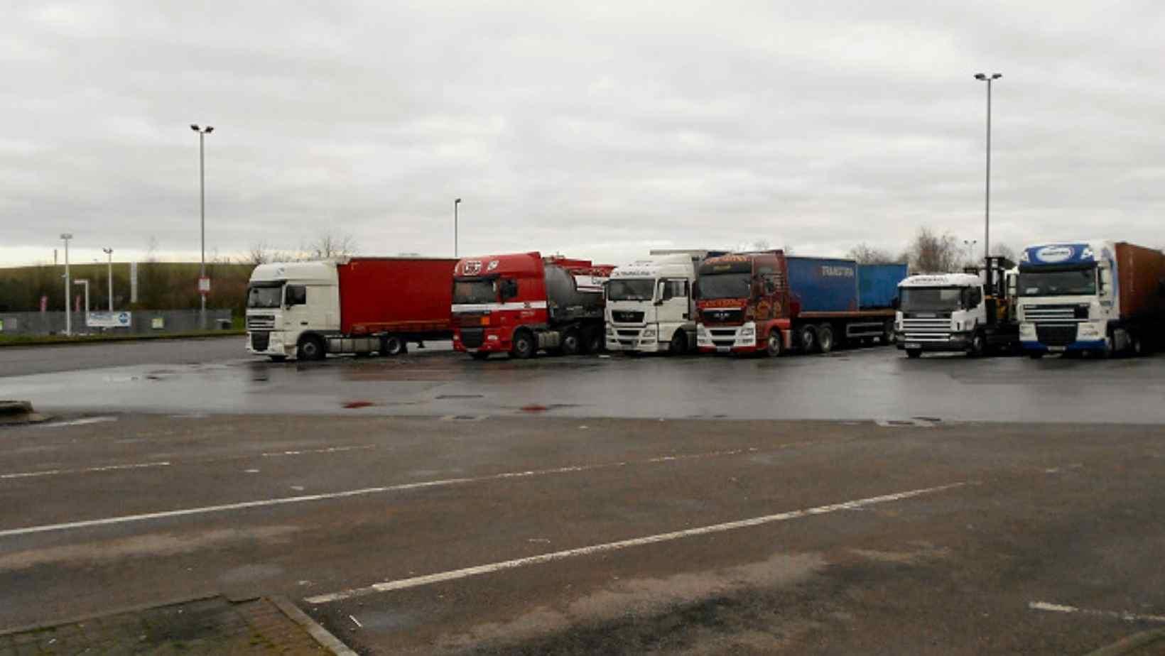 Boris Johnson dă vina pe transportatori pentru lipsa parcărilor în Marea Britanie