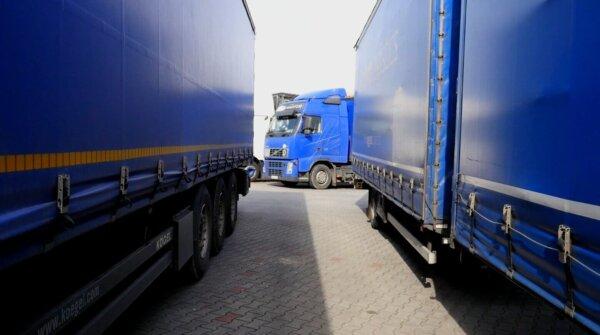 """Didžioji Britanija ką tik rado 5 tūkst. papildomų vairuotojų? """"Vairuotojai gali dirbti nemokamai"""""""