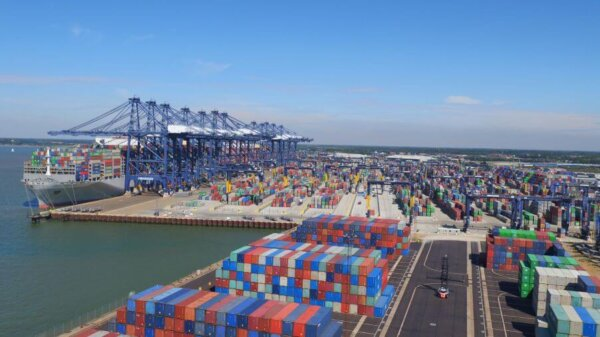 Ismét káosz Felixstow-ban; a Maersk inkább más vizekre evez