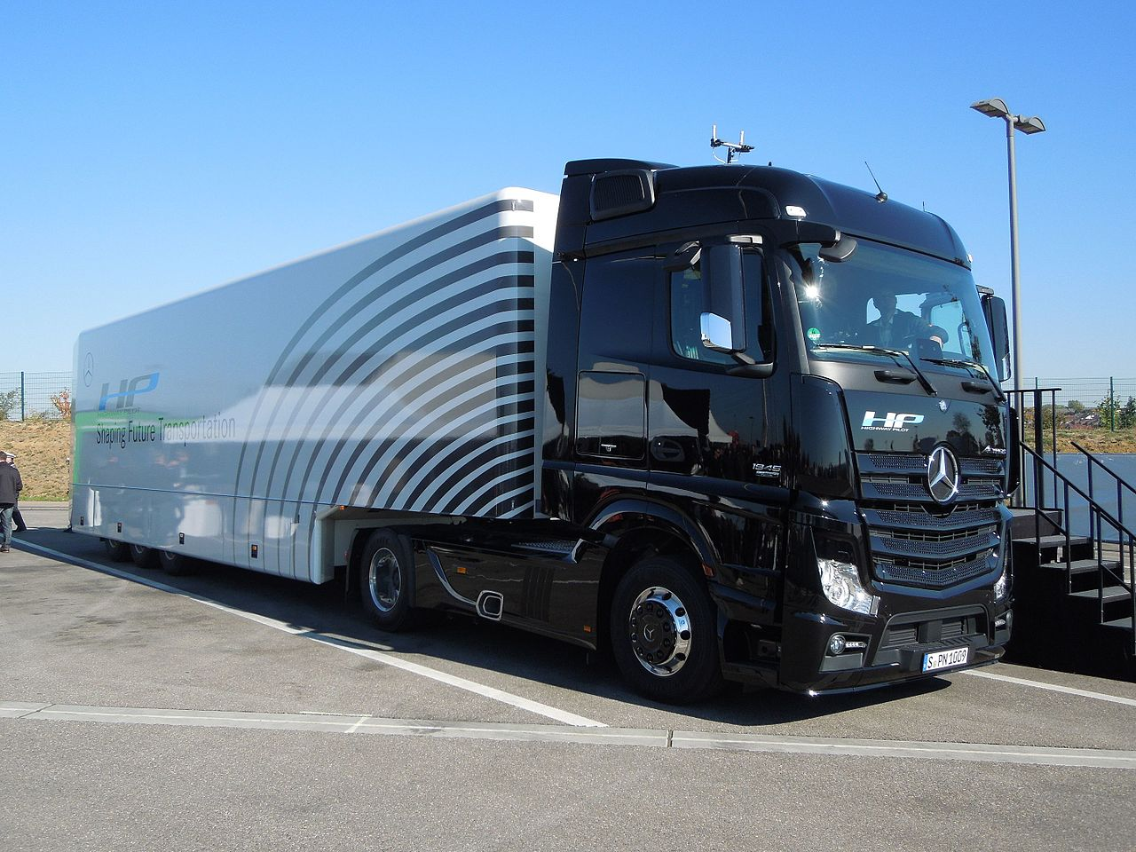 ECJ: hauliers who lost out due to truck cartel can sue manufacturer's subsidiaries