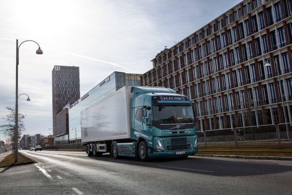 Comandă record pentru noul Volvo FM Electric