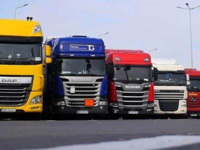 Праздничные запреты на движение грузовиков в октябре и ноябре