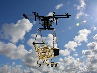 Dron jako przewodnik… w sklepie! Nietypowy pomysł sieci Walmart podbija wyobraźnie klientów
